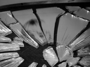 broken-mirror-4-1317204